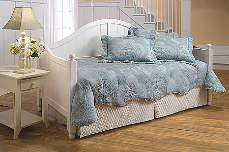 Pottery Barn Charlotte Daybed Copycatchic