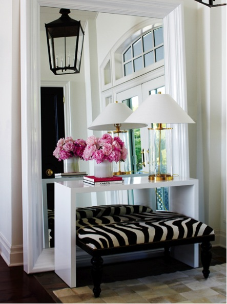 ... Console Table, Bench, And Lighting Topped With A Pretty Bunch Of  Flowers, To Make A Beautiful Statement. I Hope You All Have A Wonderful  Thanksgiving ...