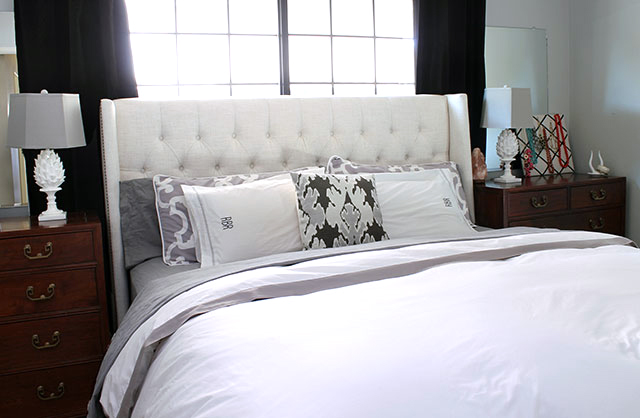Ideal Neeeew bedding thanks to Crane u Canopy I went with bedding in gray to match the walls I kept it classic with the Gray Border Duvet and paired it with a