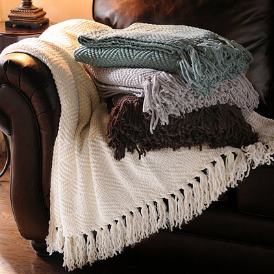 KIRKLAND'S DIAMOND FLUFF THROW BLANKET