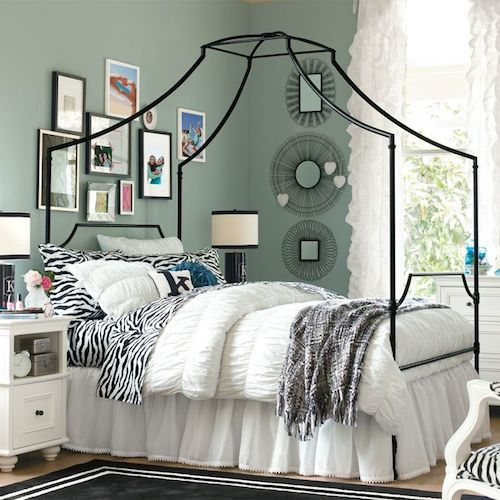 Pottery Barn Teen Maison Canopy Bed