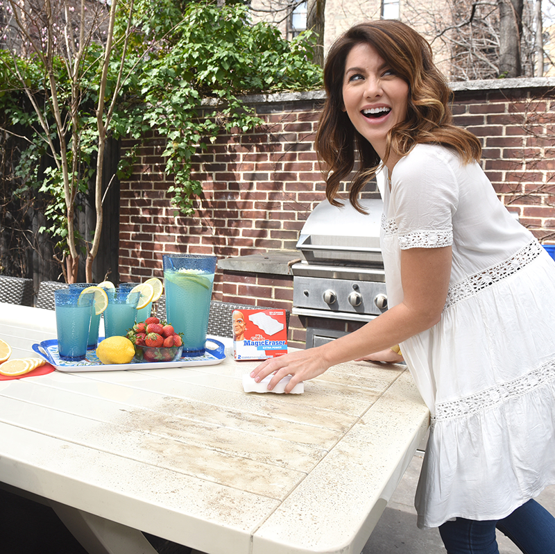 How to deep clean your rental home after moving out with Copy Cat Chic, Jillian Harris and Mr. Clean Magic Eraser