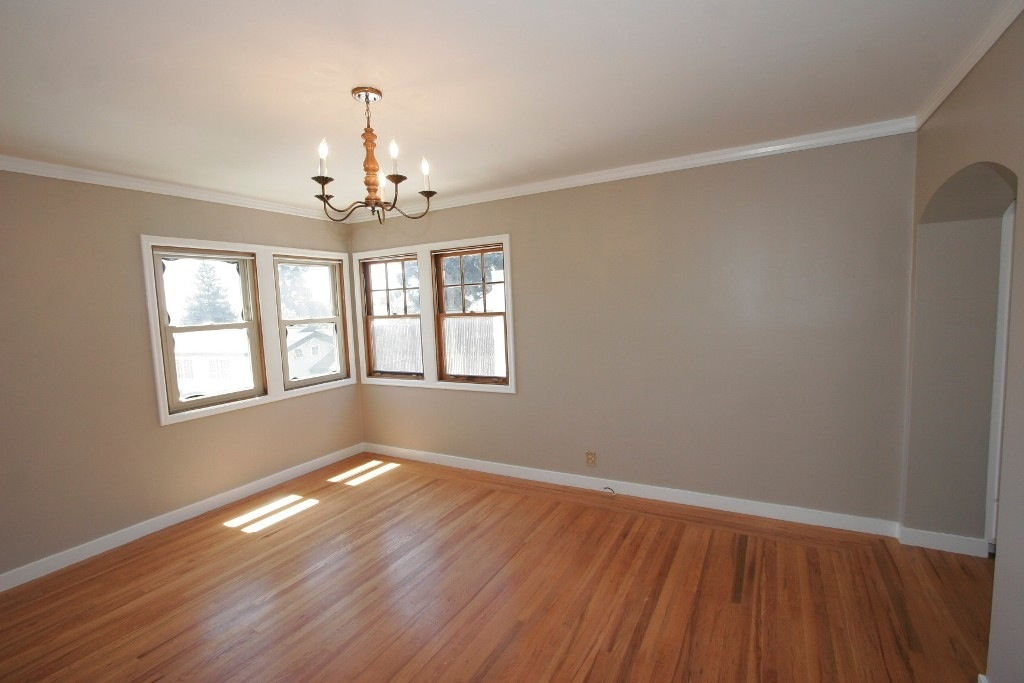 OakHouse 1st Bedroom