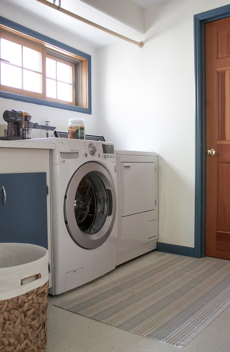 Copy-Cat-Chic-Laundry-Room-Before-1