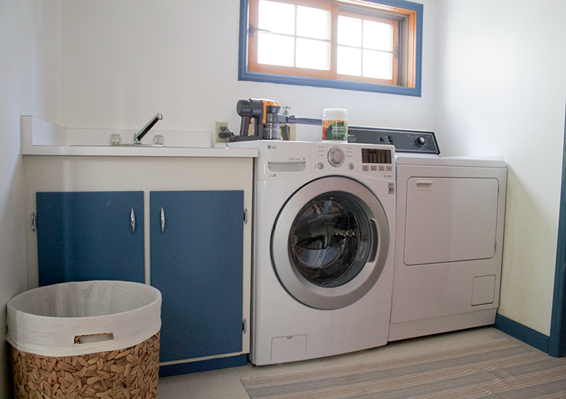Copy-Cat-Chic-Laundry-Room-Before-2