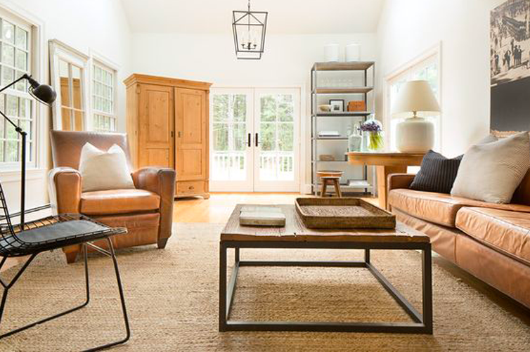 A warm living room designed by Kelly McGuill and featured in Rue filled with rich leather gets recreated for less by @copycatchic room redo budget home