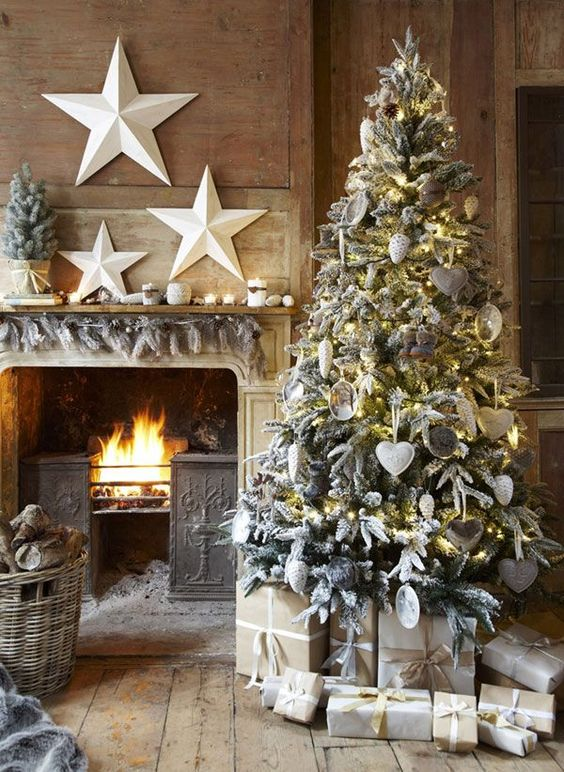 Rustic, warm, metallics and reindeer accents will rule this Yule. Christmas decor favorites from @pier1imports with Copy Cat Chic | Luxe living for less