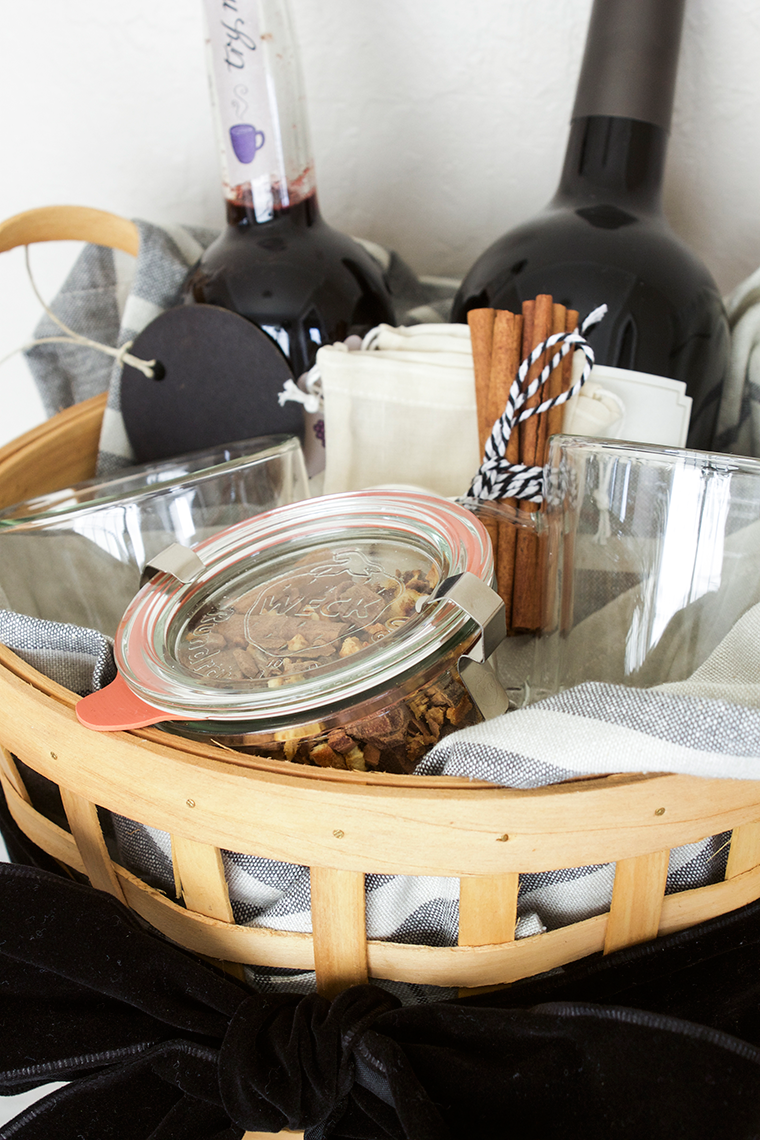 The Perfect Hostess gift for under $50 - copycatchic