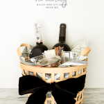 The perfect Christmas for anyone: Mulled Wine Gift Basket for under $50 with @WorldMarket and @CopyCatChic | Luxe living for less budget home holiday decor and design {permalink} #DiscoverWorldMarket #ad #WMAffiliate