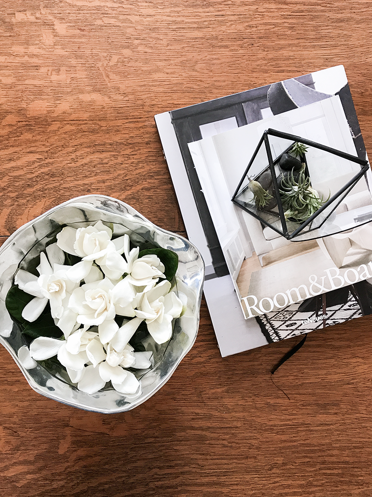 Modern minimalist gift ideas for Mothers Day. Gift guide Copy Cat Chic hipster favorites for the Moms in your life! | High Camp Supply Fresh Cut Gardenias delivered | Luxe living for less