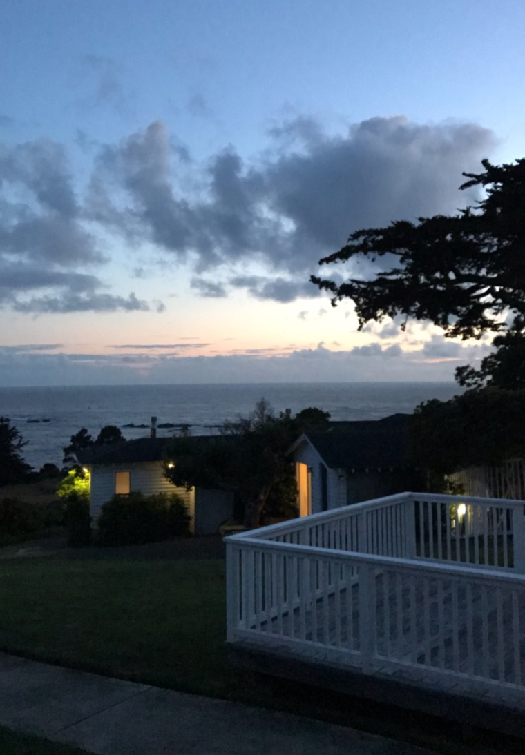 Designer Destination: The Little River Inn on the Mendocino Coast. Ocean views, beachfront, spa and golf, train rides | travel by copycatchic