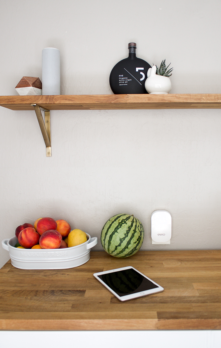 Talking about the world's best wifi system, the Eero. Designer looks and function. That's my kind of tech! copycatchic luxe living for less #EEROATHOME
