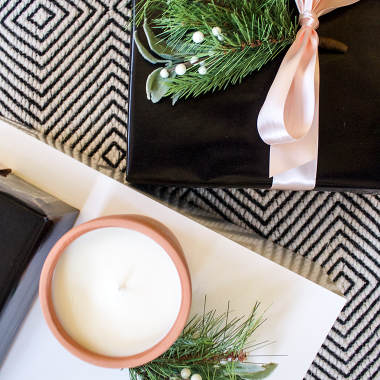 Christmas gifts for ladies | Copy Cat Chic favorites for 2017 for all of the deserving women this holiday season! | Luxe living for less