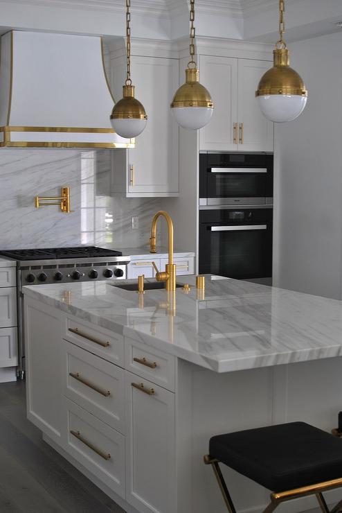Whiteandgoldkitchenblackandgoldstoolsantiquebrasshicks - Gold kitchen pendants