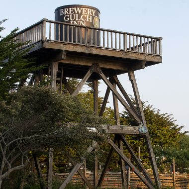 Copycatchic Designer Destination: The Brewery Gulch Inn Mendocino Northern California Coast Sonoma County. An small cozy yet sophisticaed inn with only 11 rooms ideally situated on a Mendocino ocean bluff.