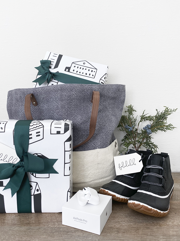 Holiday Gifts for Women | Copy Cat Chic favorites for 2019 chic, minimalist, modern, gorgeous curated gift ideas for all of the deserving women this holiday season! | Luxe living for less